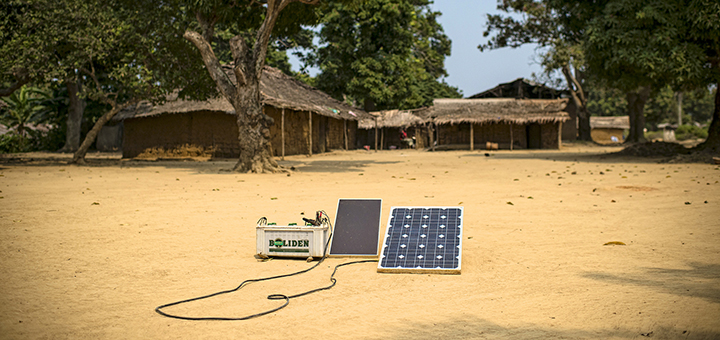 Thanks to inexpensive solar panels, more and more people in Africa have access to electricity. (Photo credit: CIFOR, flickr)