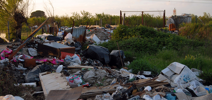 Italian officials have finally confirmed that illegal toxic waste dumps in Naples and its surroundings is leading to higher than average death and cancer rates among children. (Image credit: Dain Sandoval, flickr)
